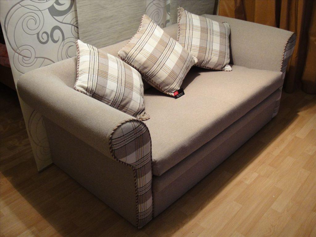 Ремонт мягкой мебели: почему перетяжку стоит доверить профессионалам?